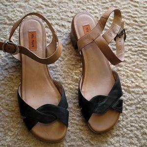 Miz mooz sandals size 10